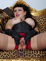 swatch me dance and show off in my sexy frilly burlesque outift. My FF backseam nylons are attached to a vintage satin suspneder panty with huge crotch-hole and my tits are swaying over a tight underbust corset. I let you look deep into my pussy while masturbating. Don´t miss all my kinky HD movies